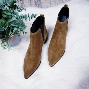 Marc Fisher LTD Yale Chelsea boots NWOB